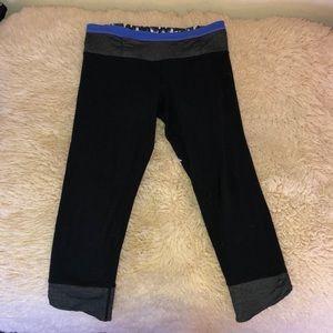 Lulu lemon black pattered leggings